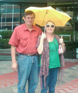Laura_jo_Mom_and_Dad_in_front_of_Burzynski_Clinic